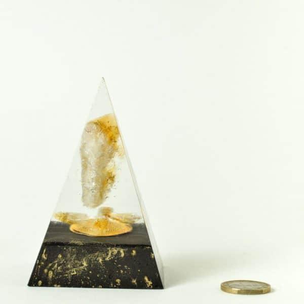 orgonite pyramide élévation